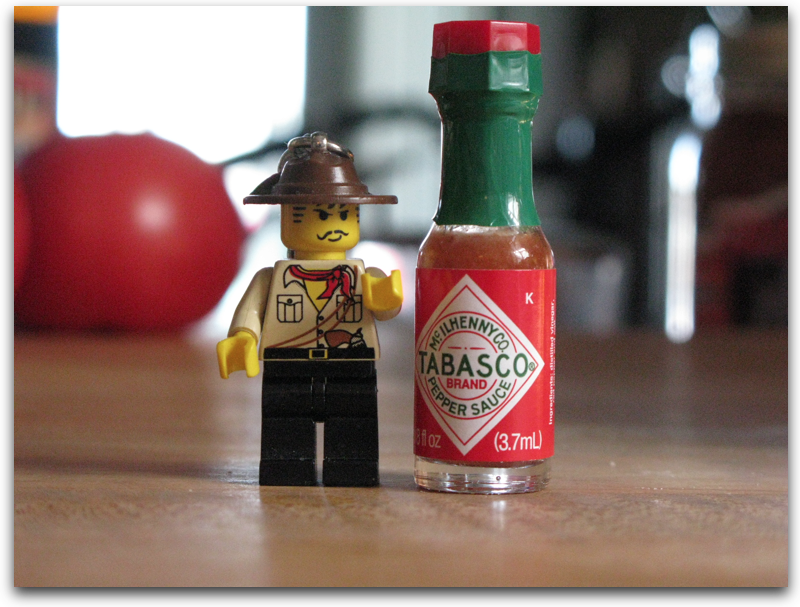 27 Signs You Re In A Serious Relationship With Hot Sauce